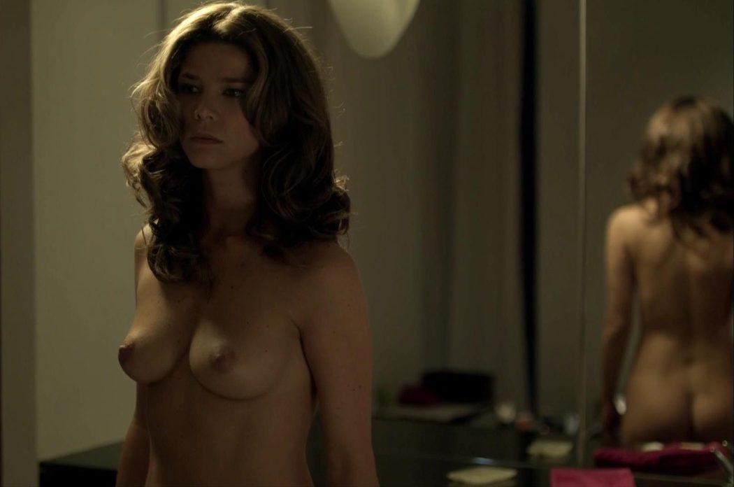 Juana Acosta, completamente desnuda, enseña las tetas y el culo en 'Crematorio'
