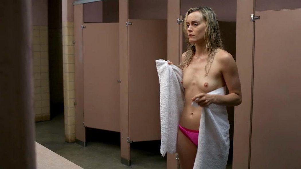 Taylor Schilling, desnuda, enseña las tetas en 'Orange Is the New Black'