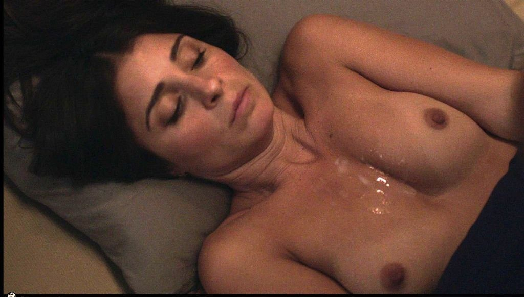 Shiri Appleby, desnuda, enseña las tetas en 'Girls'