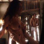 Rayna Tharani, totalmente desnuda, tiene sexo en 'The Young Pope'