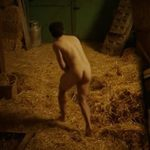 Pep Ambròs, totalmente desnudo, enseña el culo en 'Cuéntame cómo pasó'