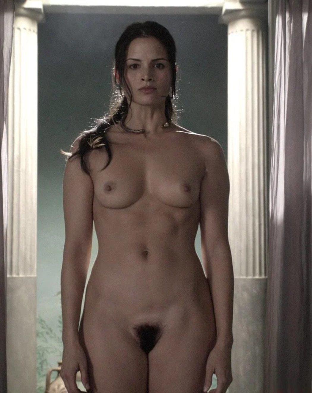 Katrina Law, completamente desnuda, en 'Spartacus'