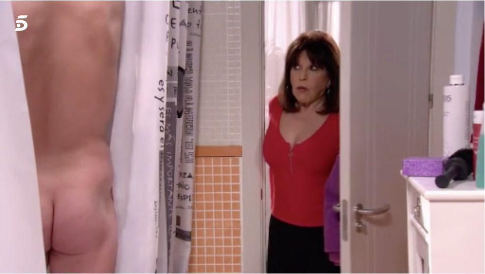 Ernesto Sevilla, completamente desnudo, enseña el culo en 'La que se avecina'