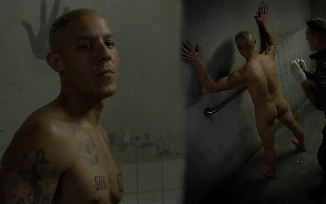 Theo Rossi, desnudo, enseña el culo en 'Sons of Anarchy'