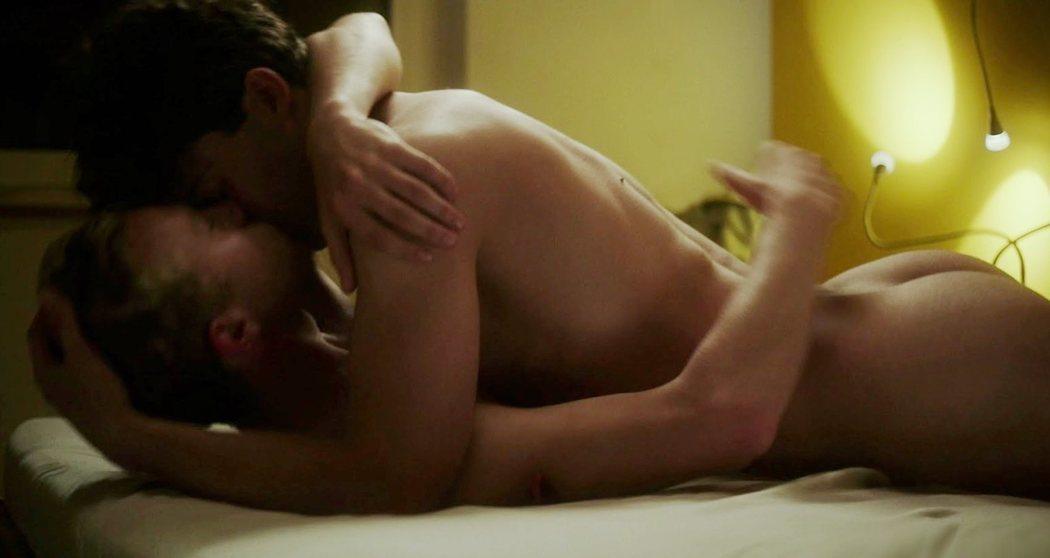 """Aaron Altaras, totalmente desnudo, en la película gay """"Mario"""""""