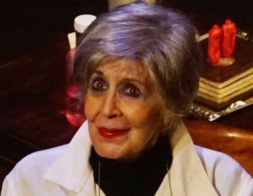 """La emotiva despedida de Concha Velasco del teatro: """"Dejar el teatro para mí es doloroso"""""""