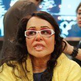 Esther Arroyo disfrazada por completo en su transformación de 'Anónimos'