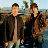 Los hermanos Winchester, Jared Padalecki y Jensen Ackles, de Supernatural