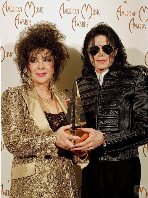 Michael Jackson con Elizabeth Taylor