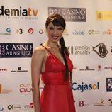 Pilar Rubio, con vestido rojo, posa en los premios ATV 2009