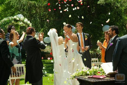 'Los hombres de Paco' celebran la boda de Pepa y Silvia