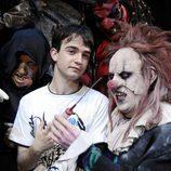 Daniel Retuerta posa junto a actores de 'El Circo de los Horrores'