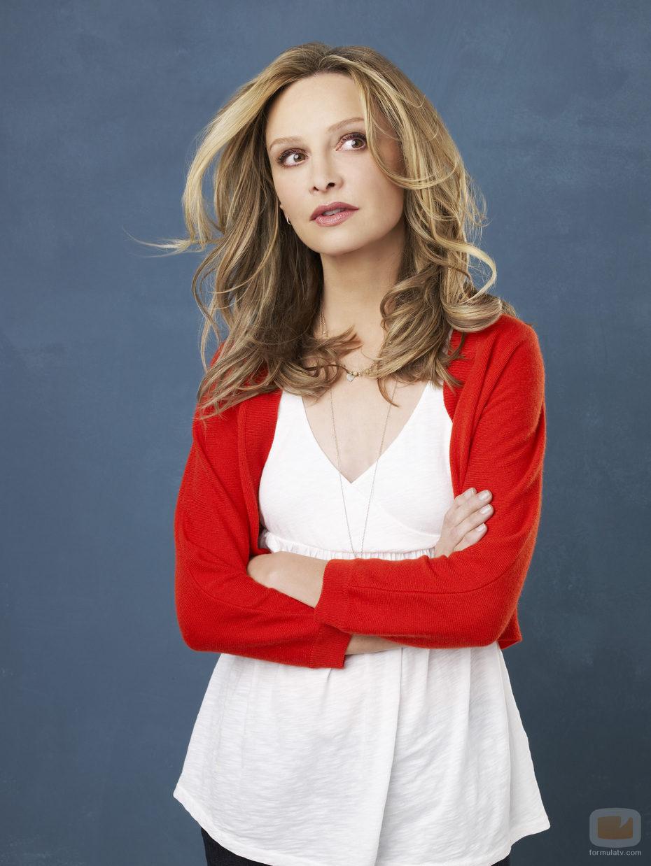 Calista Flockhart da vida al personaje Kitty Walker en 'Cinco hermanos'