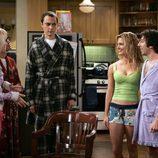 Jim Parsons y Kaley Cuoco en 'The Big Bang Theory'