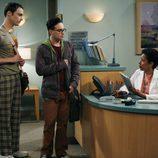 Sheldon y Leonard van al médico