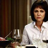 Sally Field en una cena en 'Cinco hermanos'