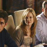 Tommy y Justin Walker a la mesa en 'Cinco hermanos'