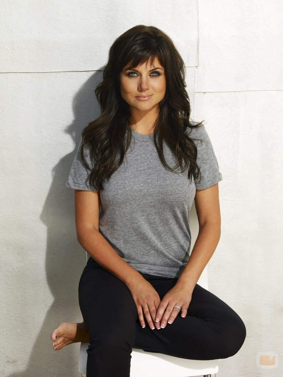Tiffani Thiessen earned a  million dollar salary, leaving the net worth at 10 million in 2017