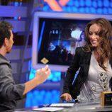 Olivia Wilde y Pablo Motos bromeando en 'El hormiguero'