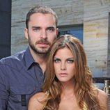 Manolo Cardona y Amaia Salamanca en una imagen promocional