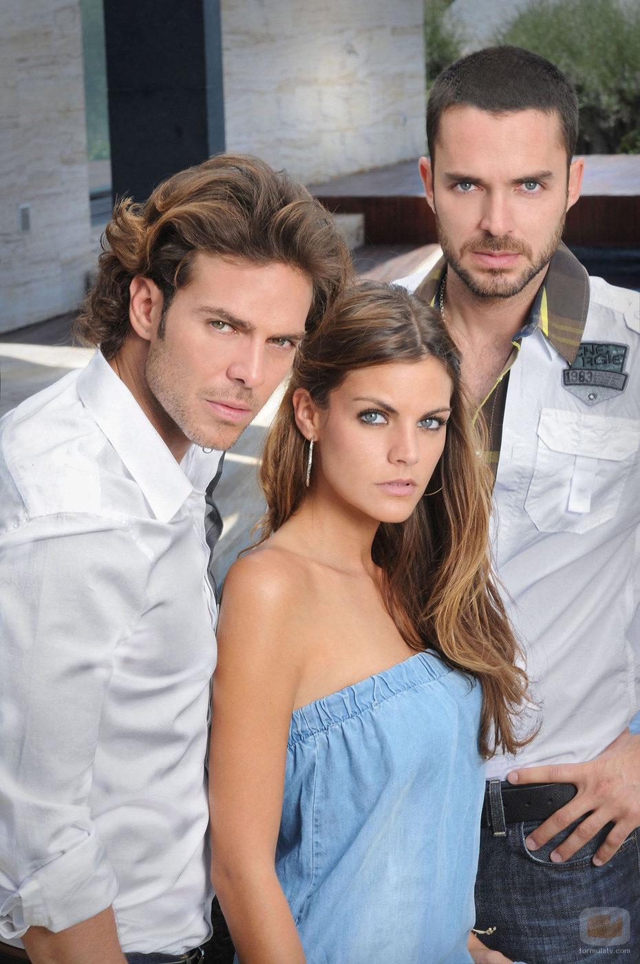 Manolo Cardona, Amaia Salamanca y Juan Alfonso Baptista