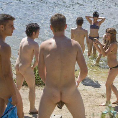 'Física o Química' estrena su cuarta temporada al desnudo
