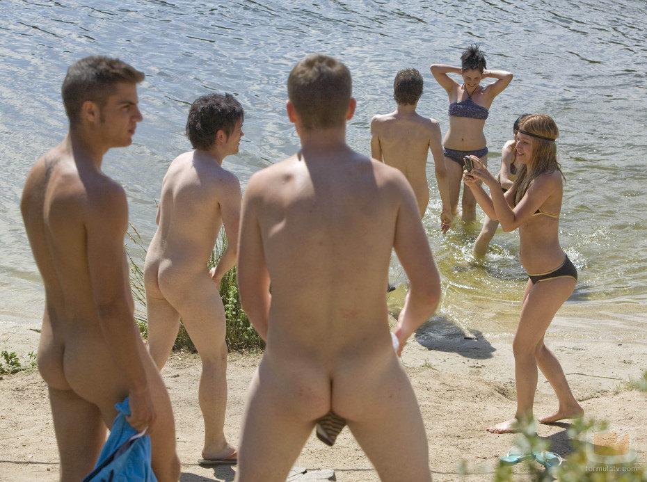 Desnudos en 'Física o Química'