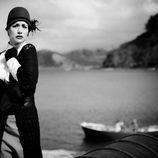 Natalia Verbeke en una imagen en blanco y negro de 'Doctor Mateo'