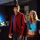 Clark Kent (Tom Welling) y Kara (Laura Vandervoort)