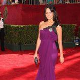 Lindsay Price en la alfombra roja de los Emmy 2009