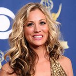 Kaley Cuoco en los Emmy 2009
