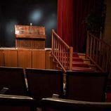 Salón de actos y escalera