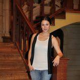 Blanca Suárez posa en la entrada de 'El Internado'