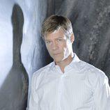 Joel Gretsch en una imagen promocional de 'V'