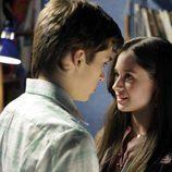 Carlos y Karina en la serie 'Cuéntame'