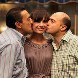 Mauricio y Chema besan a Soraya