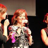 Las presentadoras de 'La 2 Noticias' con la cuchara
