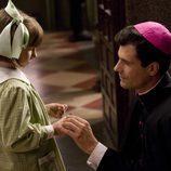 El Padre Ángel en una escena de 'La Señora'