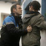 Alfredo cachea a Raúl en 'Doctor Mateo'