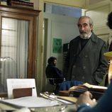 El Matamulas y Paquita en el despacho de Toni en 'Cuéntame cómo pasó'