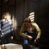 Emily Procter y Jonathan Togo en 'CSI: Miami'