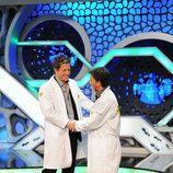 Pablo Motos y Hugh Grant