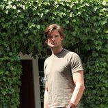 William Miller en una foto promocional de la serie 'Hay alguien ahí'