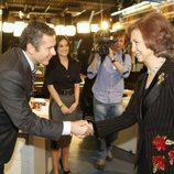 Roberto Arce saluda a la Reina