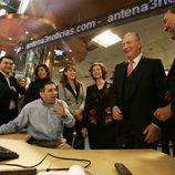 Los Reyes visitan 'Antena 3 Noticias'