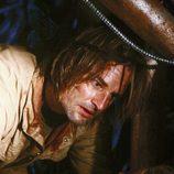 Sawyer encuentra a Juliet moribunda
