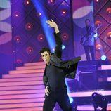 Víctor Janeiro baila un tema disco