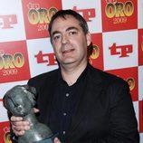 Javier Iriarte con el TP de Oro de 'Los Simpson'