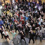 Los actores de 'Física o Química' bailan en el flashmob de 'Glee'