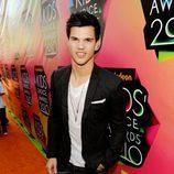 Taylor Lautner en la alfombra roja